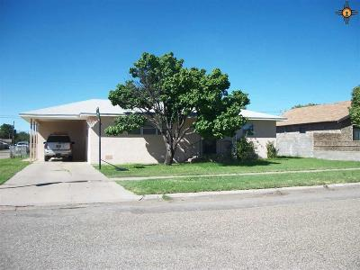 Portales Single Family Home For Sale: 201 N Indio