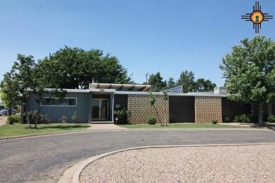 Clovis Single Family Home For Sale: 200 Murray