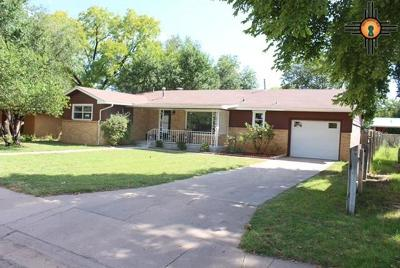 Portales Single Family Home For Sale: 717 W 16th Street