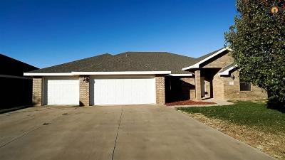 Clovis Single Family Home For Sale: 324 Olive