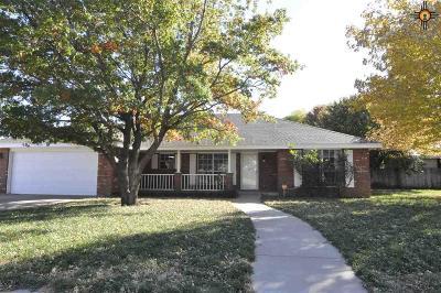Clovis Single Family Home For Sale: 2329 Hammond