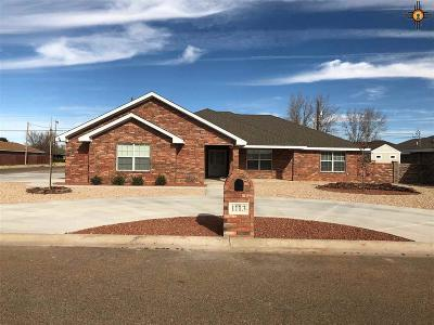 Portales Single Family Home For Sale: 1113 Aquarius
