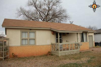 Clovis Single Family Home For Sale: 232 E Plaza