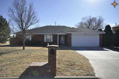 Single Family Home For Sale: 505 Corrales