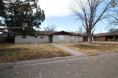 Portales Single Family Home For Sale: 2112 S Ave G