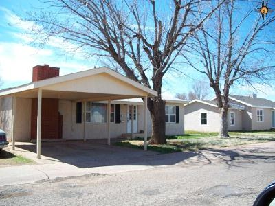 Clovis Single Family Home For Sale: 225 E Plaza