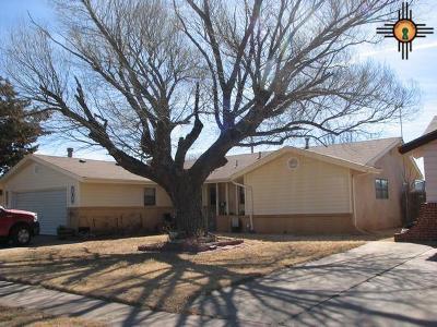 Clovis Single Family Home For Sale: 909 W Christopher