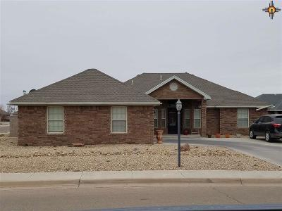 Portales Single Family Home For Sale: 2210 Beech