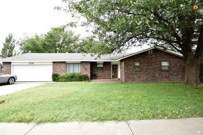 Clovis Single Family Home For Sale: 2556 Sharondale