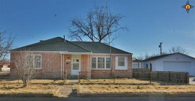 Portales Single Family Home For Sale: 901 S Ave A