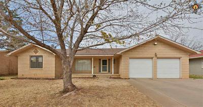 Single Family Home For Sale: 2608 Axtell