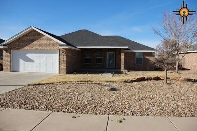 Clovis Single Family Home For Sale: 212 Carmel