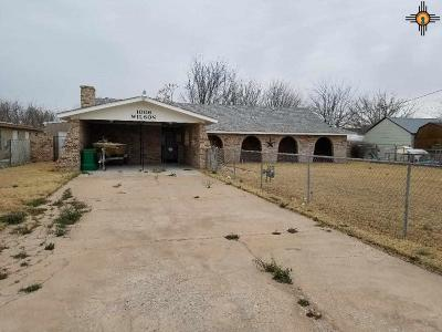 Hobbs NM Single Family Home Active, U/C-Take Back Ups: $159,900