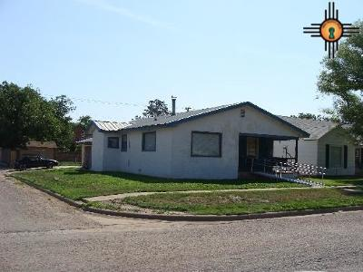 Portales Single Family Home For Sale: 801 S Main