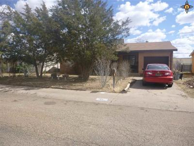 Clovis Single Family Home For Sale: 121 E Plaza