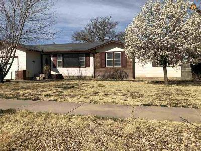 Portales Single Family Home For Sale: 1408 S Main