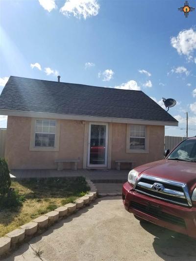 Clovis Single Family Home For Sale: 420 Oak Street