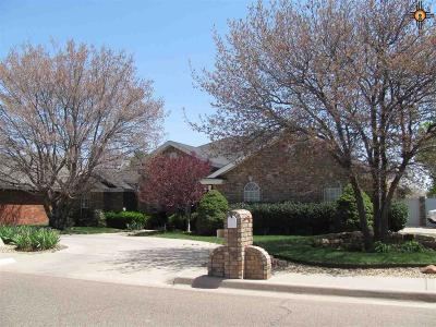 Clovis Single Family Home For Sale: 701 Jeanie Dr.