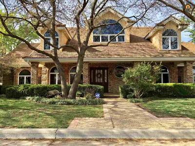 Clovis Single Family Home For Sale: 118 Tanning