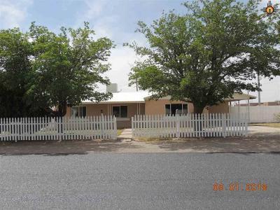 Deming Single Family Home For Sale: 1700 Santa Barbara St.