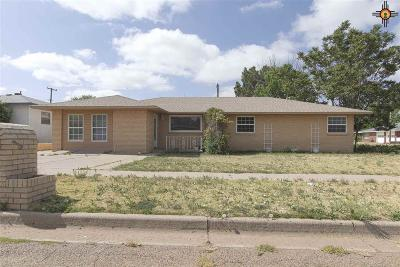 Curry County Single Family Home For Sale: 217 W Prairieview