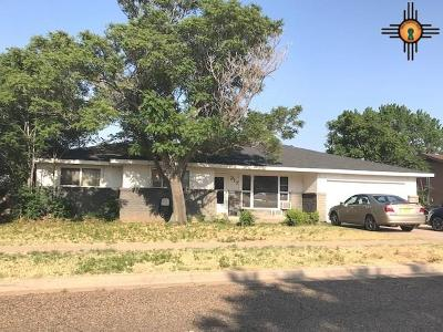 Clovis Single Family Home For Sale: 217 Sasser