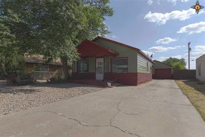 Portales Single Family Home For Sale: 808 S Ave B