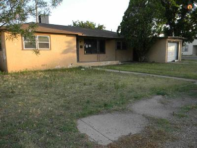 Portales Single Family Home For Sale: 533 W 16th Lane