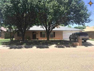 Clovis Single Family Home For Sale: 316 Rosewood