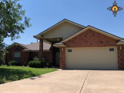 Clovis Single Family Home For Sale: 1017 Rosewood Dr.