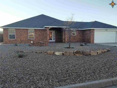 Clovis Single Family Home For Sale: 2404 Howard Cowper