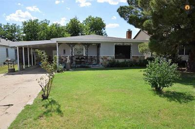 Clovis Single Family Home For Sale: 1724 Sheldon St