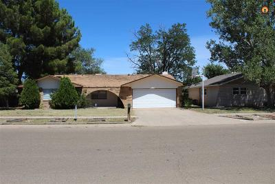 Clovis Single Family Home For Sale: 2549 Sharondale