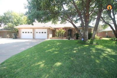 Curry County Single Family Home For Sale: 2204 Fairway Terrace
