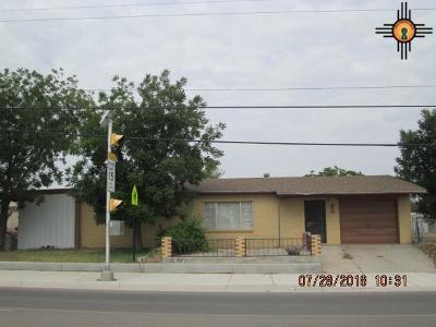 Artesia Single Family Home For Sale: 1302 Champ Clark Avenue