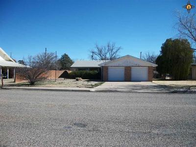 Portales NM Single Family Home For Sale: $105,000