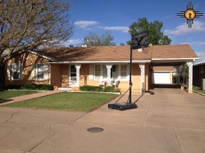 Portales Single Family Home For Sale: 1425 S Ave B
