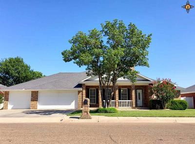 Clovis Single Family Home For Sale: 3909 Springwood Dr