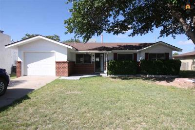 Lovington Single Family Home For Sale: 1400 W Cottonwood