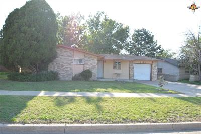 Portales Single Family Home For Sale: 2114 S Avenue I Place
