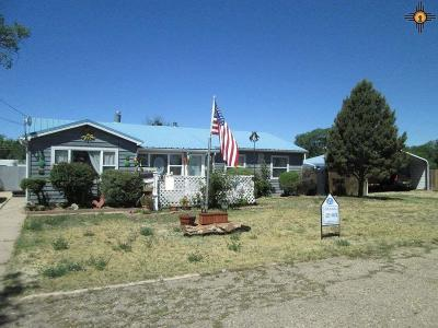 Las Vegas NM Single Family Home For Sale: $269,000