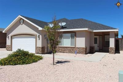 Hobbs Single Family Home For Sale: 8 Acoma Court