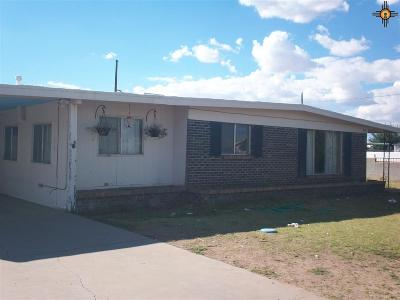 Deming Single Family Home For Sale: 1700 S. Platinum Ave.
