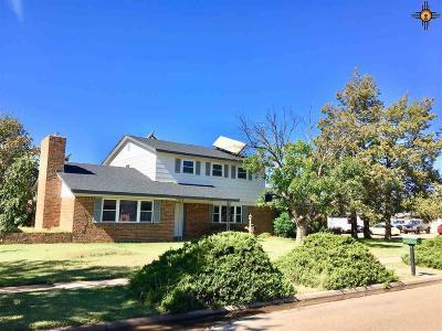 Clovis Single Family Home For Sale: 2400 Sharondale