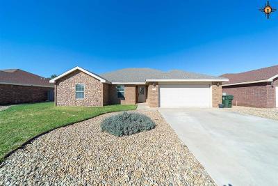 Clovis Single Family Home For Sale: 708 Almond Tree