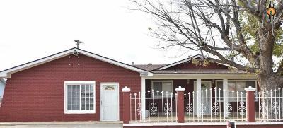 Clovis Single Family Home For Sale: 209 Woodson