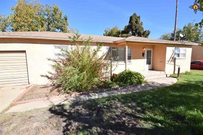Portales Single Family Home For Sale: 524 W 17th St.