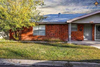 Hobbs Condo/Townhouse For Sale: 113 E Jefferson Pl