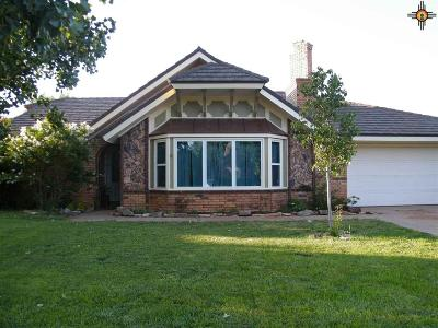 Clovis Single Family Home For Sale: 804 Rosewood Dr