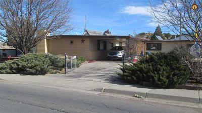 Gallup Single Family Home For Sale: 303 Stagecoach Road